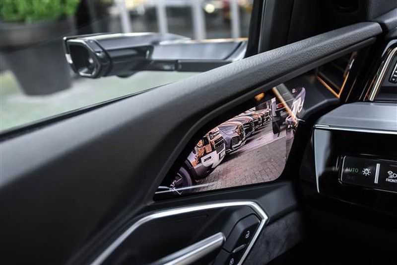 Audi e-tron SPORTBACK 55 QUATTRO S-EDITION HEAD-UP+22INCH afbeelding 5
