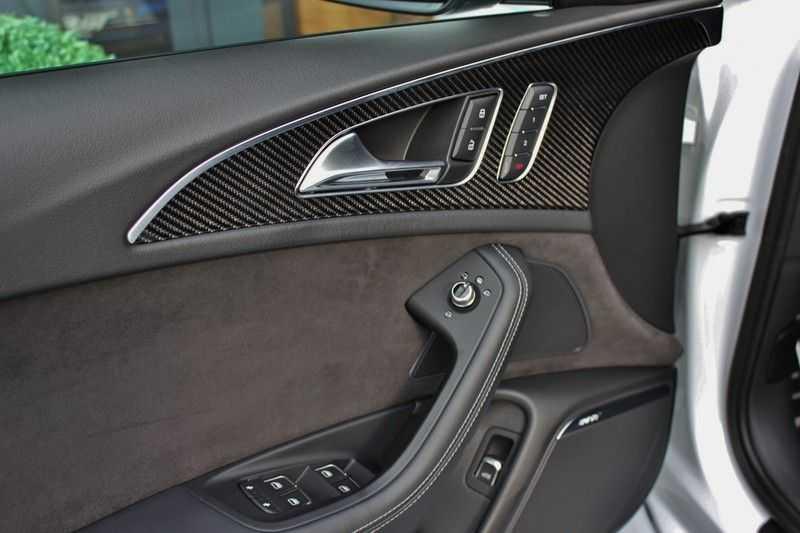 Audi RS6 4.0 V8 605pk Performance Quattro **Pan.dak/HUD/ACC/Camera/Carbon** afbeelding 19