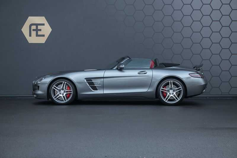 Mercedes-Benz SLS Roadster 6.3 AMG Carbon Pack + MIDDLE GRAY HIMALAYAS + Full Carbon Motor afdekking afbeelding 5