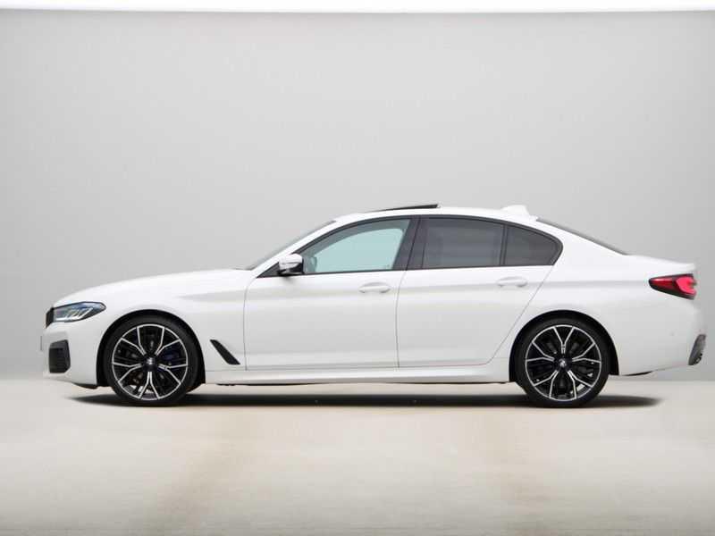 BMW 5 Serie 530i High Exe M-Sport LCI afbeelding 10