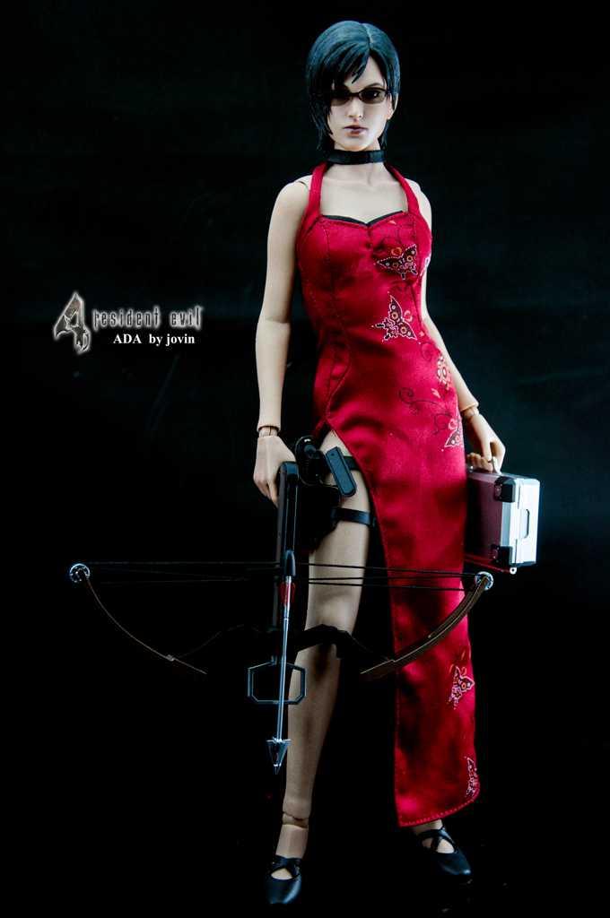 Monkey Depot - Boxed Figure: Hot Toys Resident Evil 4