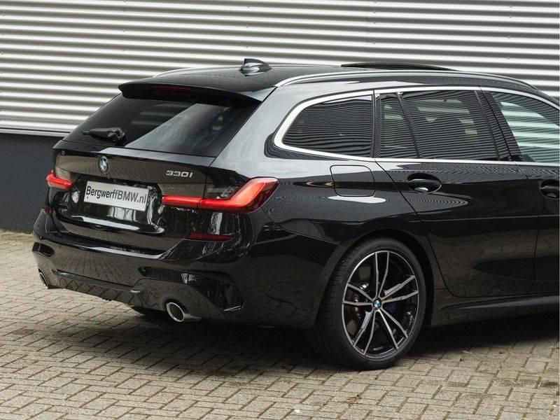 BMW 3 Serie Touring 330i M-Sport - Individual - Memoryzetel - Panorama - Trekhaak afbeelding 10