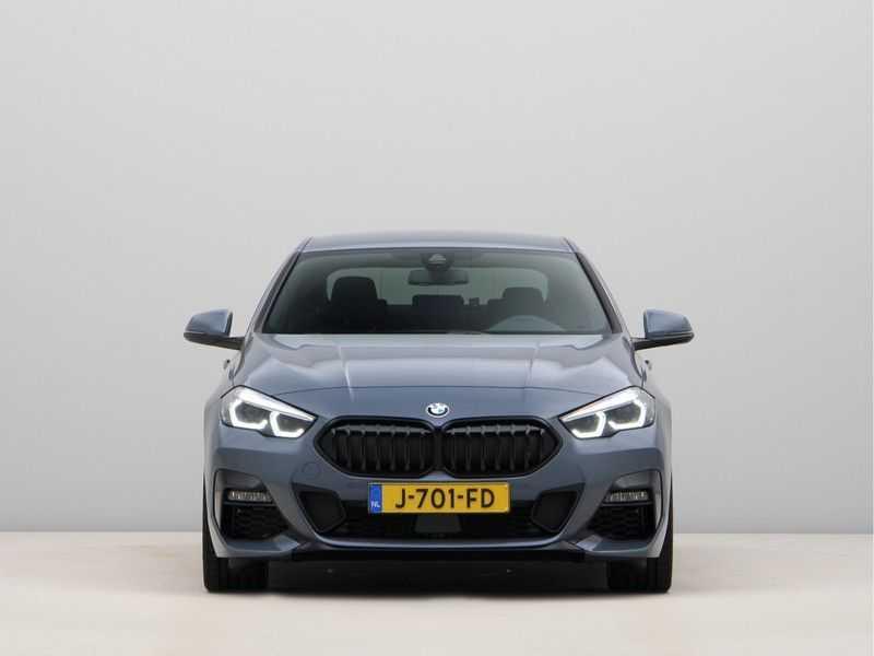 BMW 2 Serie Gran Coupé 218i High Executive M Sport 19 inch afbeelding 3