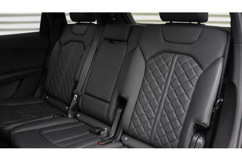 Audi SQ7 4.0 TDI 435pk quattro 7p Panoramadak, BOSE, Massage, Ruitstiksel, Trekhaak afbeelding 17
