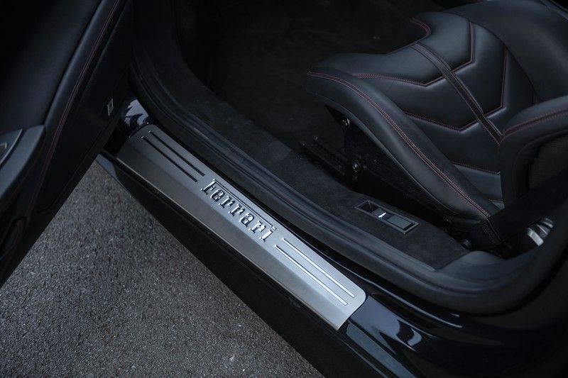 Ferrari 458 4.5 V8 Italia New Power Garantie T/M 12-03-2022, Carbon Sport Seats, Custom Exhaust, Carbon exterieurdelen afbeelding 12