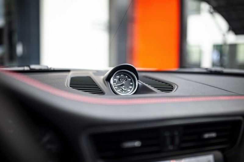 Porsche 911 Cabrio 991.2 3.0 Carrera 4 GTS *BOSE / Liftsysteem / Sport Chrono / DAB / PASM* afbeelding 16