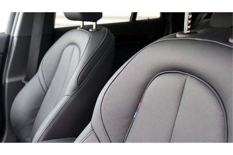 BMW X1 xDrive20i High Executive M Sport Panoramadak, Head-Up Display, Leder, Trekhaak afbeelding 16