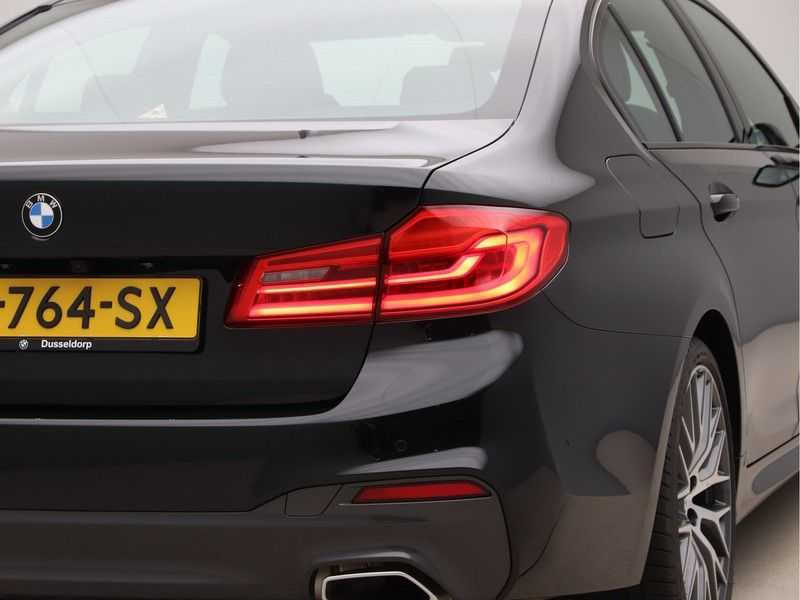 BMW 5 Serie 520i High Exe Aut. M-Sport afbeelding 19