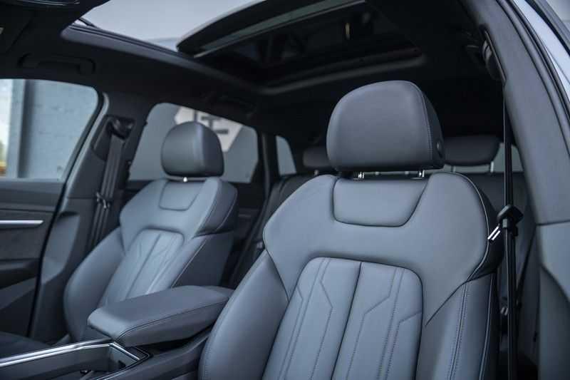 "Audi E-tron 55 e-tron quattro Advanced Pro Line S DECEMBER 2018!! € 146,- netto bijtelling pm! Head-up + B&O etc. Tot januari 2024 4% bijtelling!! Prijs inclusief 22"" velgen afbeelding 19"