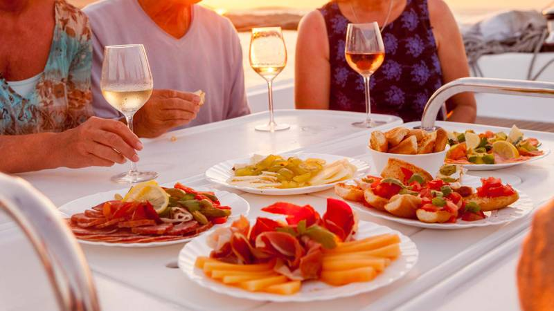Sumptuous cuisine with sailing holidays in Turkey