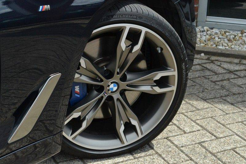 BMW 5 Serie Touring M550d xDrive 400pk Pano Standk ACC 20inch Adp-LED HUD afbeelding 9