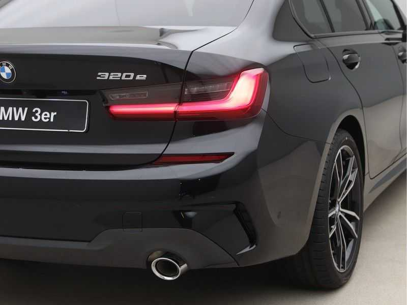 BMW 3 Serie 320e High Exe M-Sport Hybrid afbeelding 16