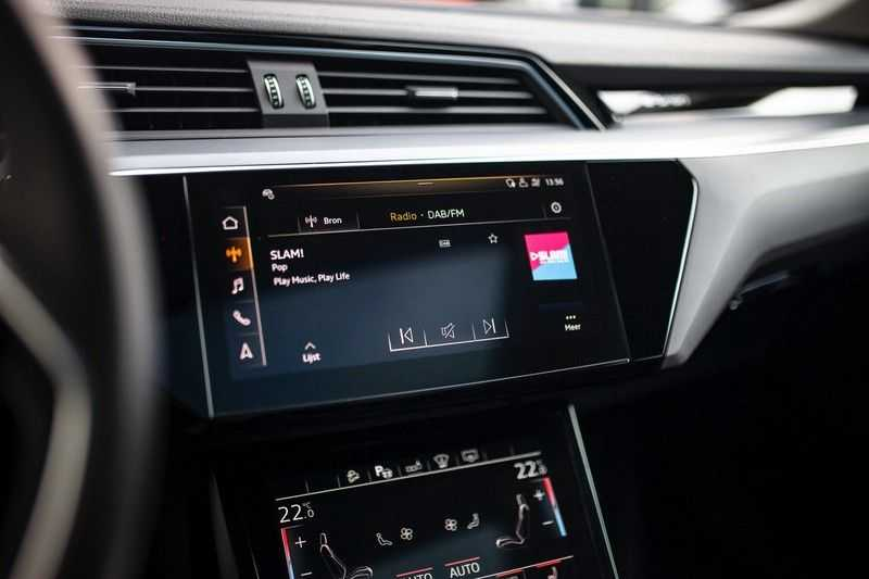 "Audi e-tron Sportback 50 Quattro S Edition *Pano / HUD / 21"" / Stad Pakket / DAB* afbeelding 10"