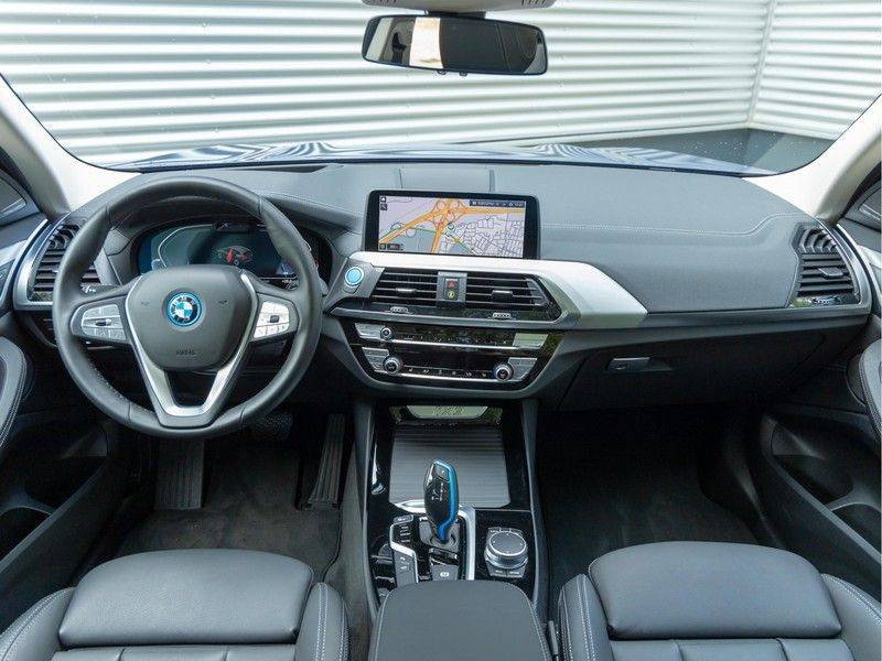 BMW iX3 High Executive - Direct Beschikbaar! afbeelding 15
