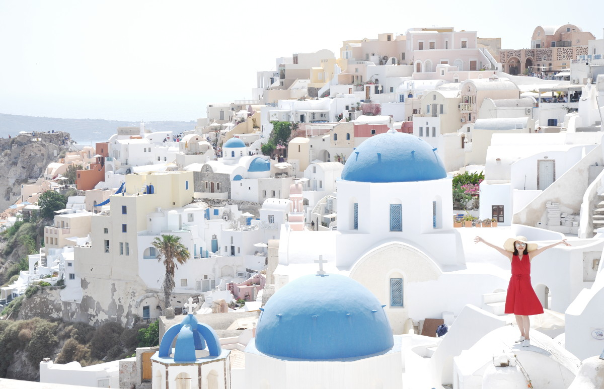 Dreamland of White Houses in Oia, Santorini