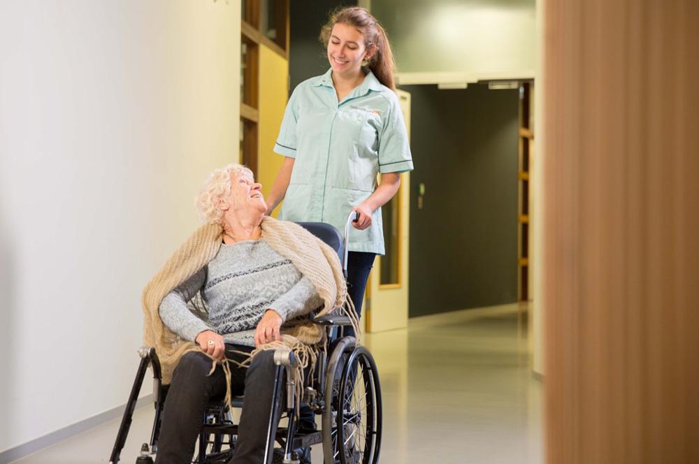 Cliënt in rolstoel