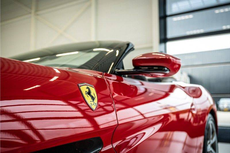 Ferrari Portofino 3.9 V8 HELE   TwoTone Exclusive   Carbon   Passengerdisplay   Memory   Sportstoelen afbeelding 10
