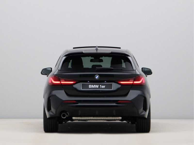 BMW 1 Serie 118i Corporate Executive M Sport afbeelding 11
