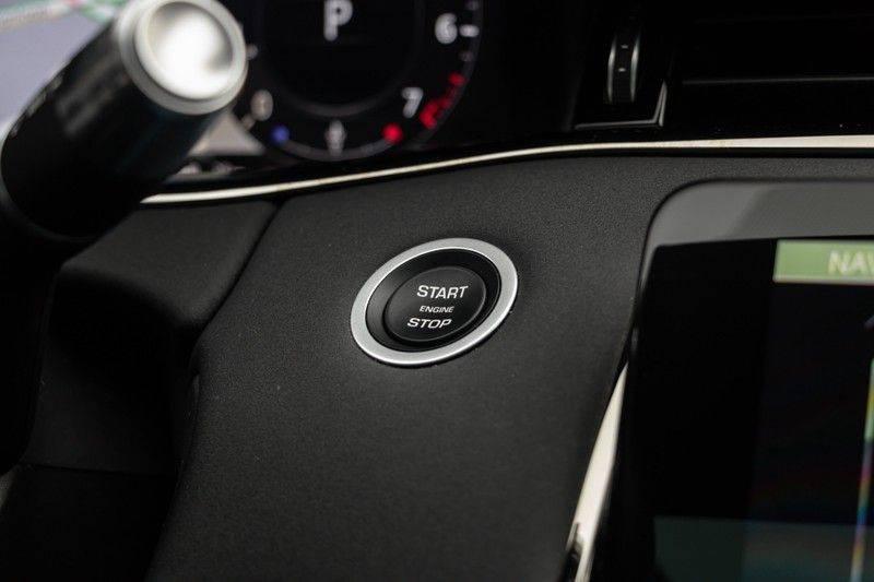 "Land Rover Range Rover Evoque P300 R-Dynamic 300pk AWD Black Pack Panoramadak ClearSightSpiegel MeridianSound Volleder AmbientLight Navi Keyless Full-Led DAB 20"" 360Camera Pdc afbeelding 25"