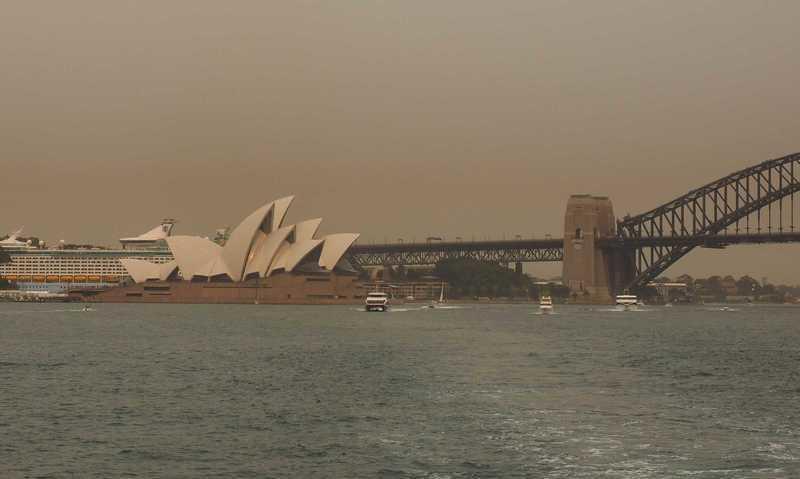 Sydney, Australia: Smoke Haze Pollutes City
