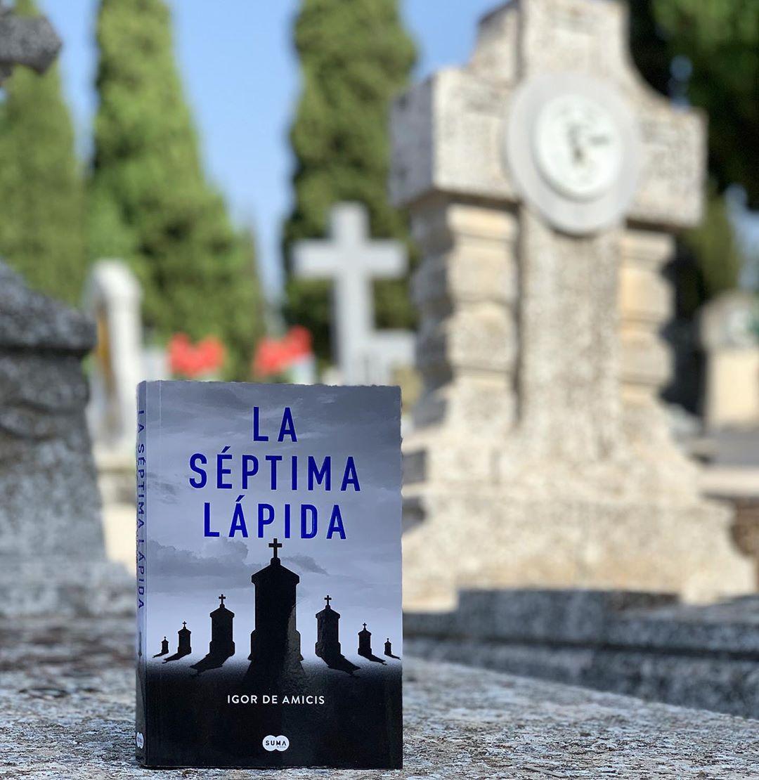 """Imagen de Reseña de """"La séptima lápida"""", de Igor de Amicis"""