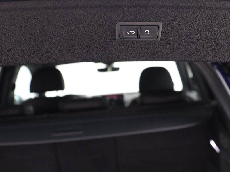 Audi Q5 50 TFSI e 299 pk quattro S edition   S-Line   Elektrisch verstelbare stoelen   Trekhaak wegklapbaar   Privacy Glass   Verwarmbare voorstoelen   Verlengde fabrieksgarantie afbeelding 21