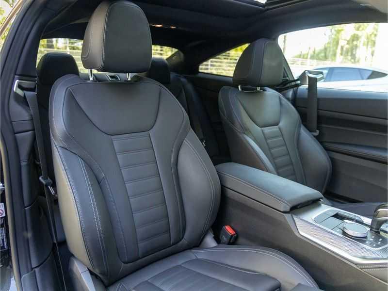 BMW 4 Serie Coupé M440i xDrive - High Executive - Dak - ACC - Harman Kardon afbeelding 21