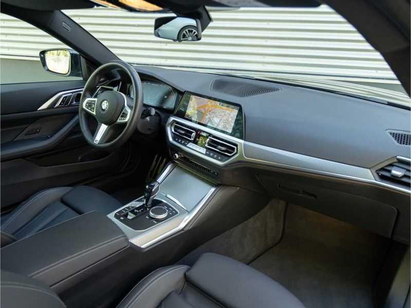 BMW 4 Serie Coupé M440i xDrive - High Executive - Dak - ACC - Harman Kardon afbeelding 19