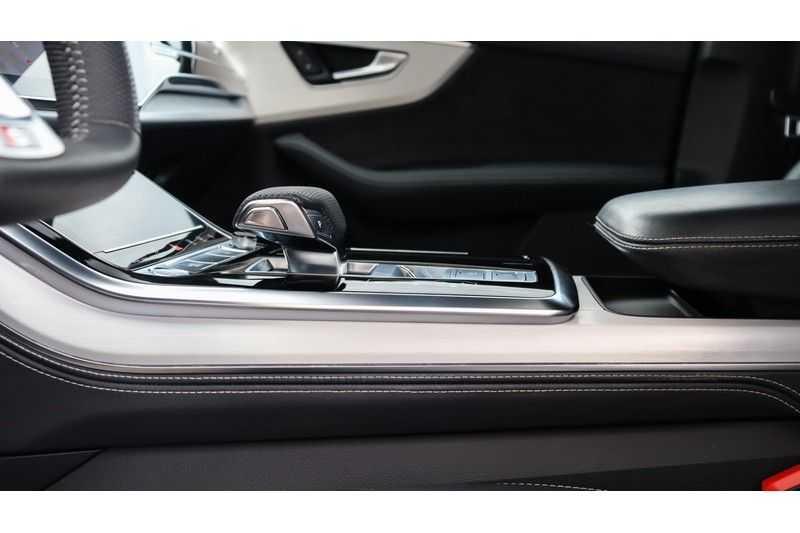 Audi Q8 55 TFSI quattro S-Line, Panoramadak, B&O, Massage, Ruitstiksel, Trekhaak afbeelding 6