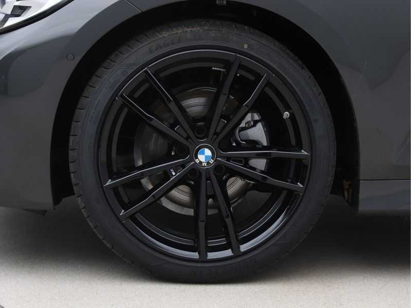 BMW 3 Serie 320i High Exe M-Sport Aut. afbeelding 18