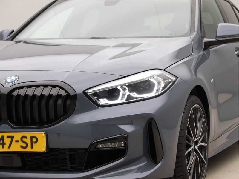 BMW 1 Serie 118i High Exe Edition Aut. M-Sport afbeelding 23