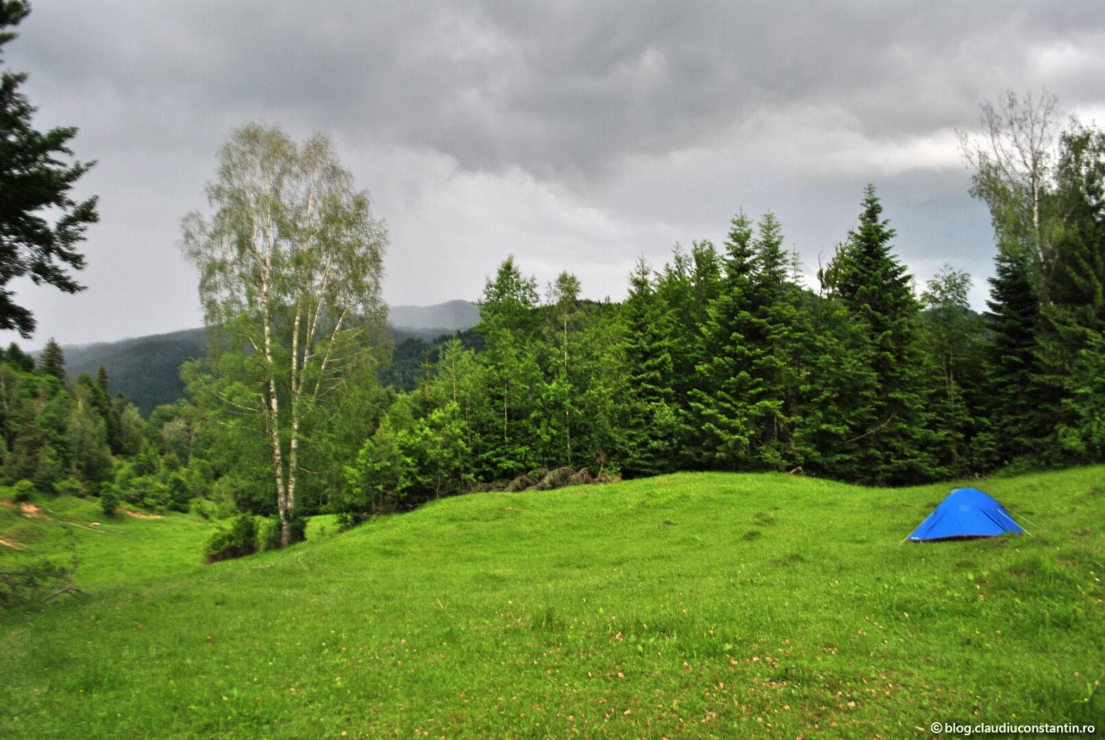 Tură cu cortul în comuna Lopătari, Buzău