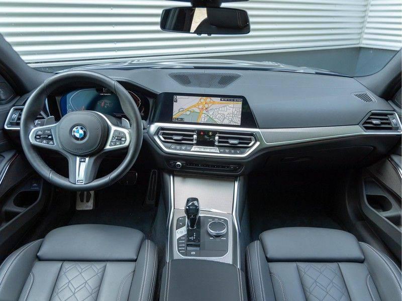BMW 3 Serie Touring M340i xDrive Individual - Head-up - ACC - Harman Kardon - Panorama afbeelding 12