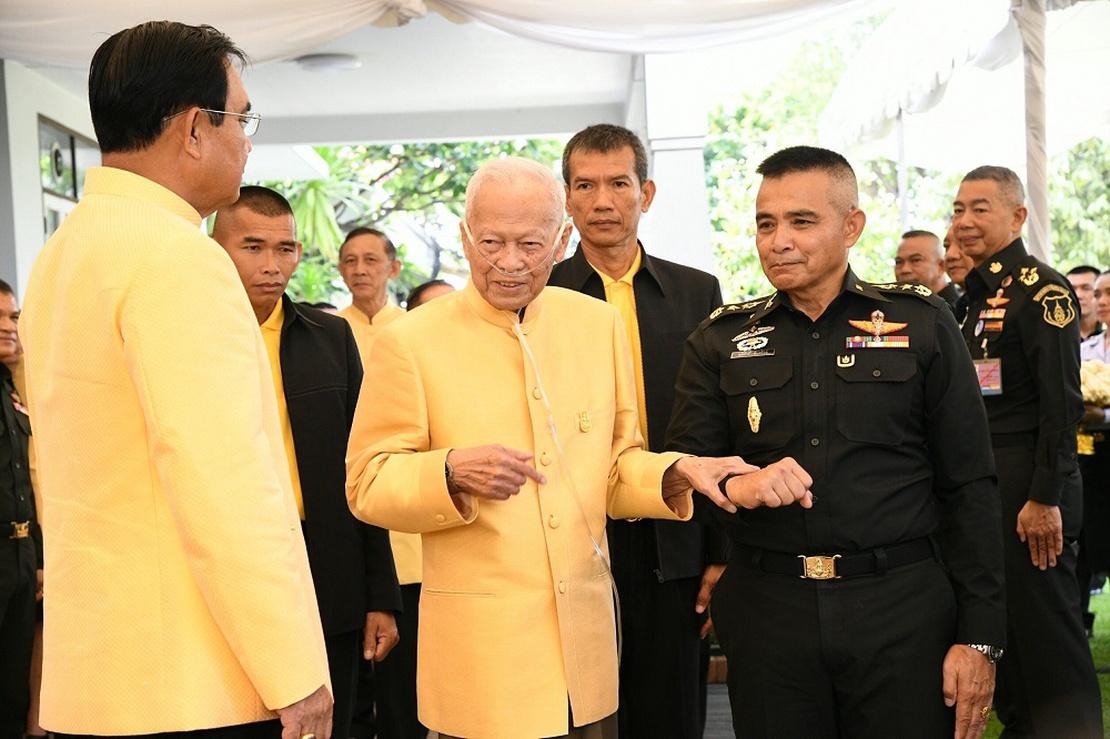 Gen. Prem Tinsulanonda mit Junta-Führer Prayuth Chan-ocha in Bangkok, 11. April 2019.