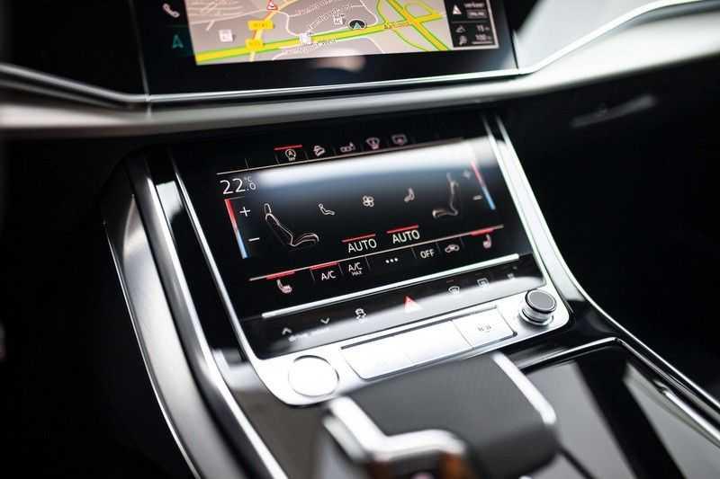 """Audi Q8 50 TDI Quattro *S-line / 23"""" / Panorama / Matrix-LED / Standkachel* afbeelding 14"""