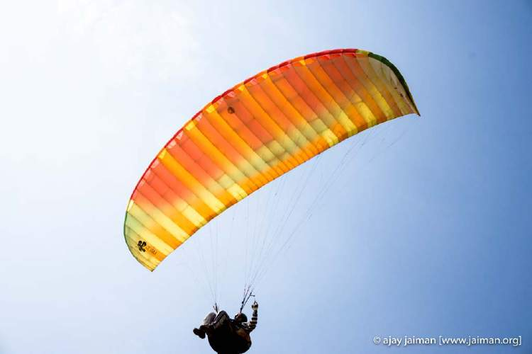 Learning to paraglide all bt yourself