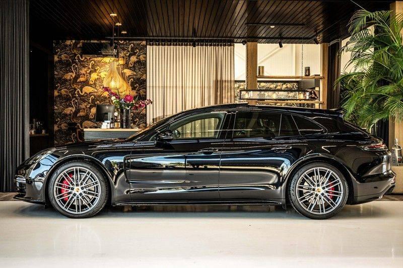 Porsche Panamera 4.0 GTS Sport Turismo | 360 | HUD | BOSE |PANO | Soft close | DAB | LED Matrix | Afstandstempomaat | Karmin Rood pakket, rood st afbeelding 2