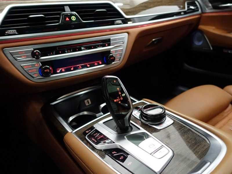 BMW 7 Serie 730d XDrive M-Sport Individual 266pk Aut- Alle mogelijke optie's- nwpr 153.866,- afbeelding 14