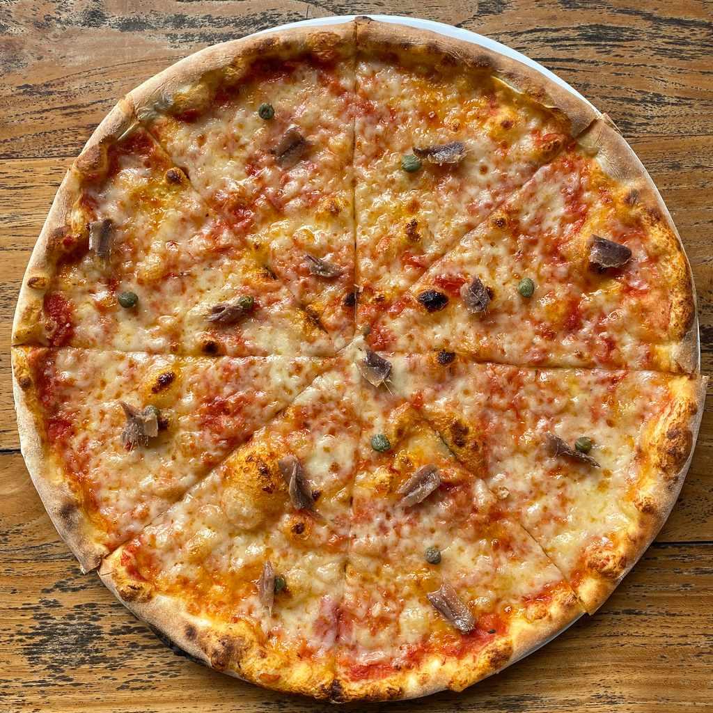 pizza: romana