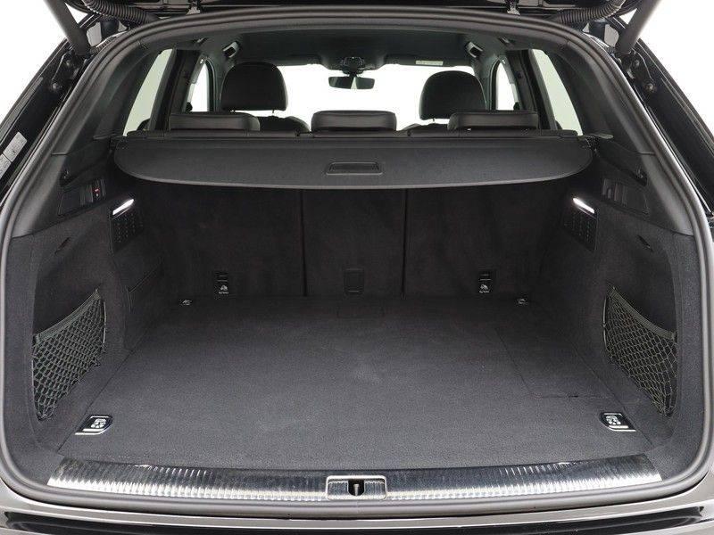 Audi Q5 50 TFSI e 299 pk quattro S edition   S-Line   Elektrisch verstelbare stoelen   Trekhaak wegklapbaar   Privacy Glass   Verwarmbare voorstoelen   Verlengde fabrieksgarantie afbeelding 20