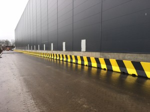 Concrete Barriers Used as Pedestrian Barrier