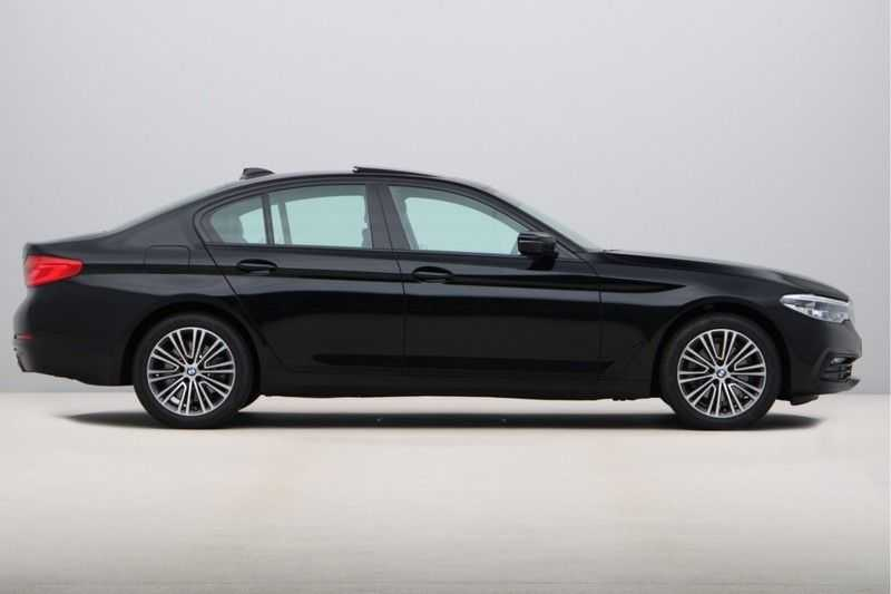 BMW 5 Serie 520i High Exe Sportline Aut. afbeelding 6