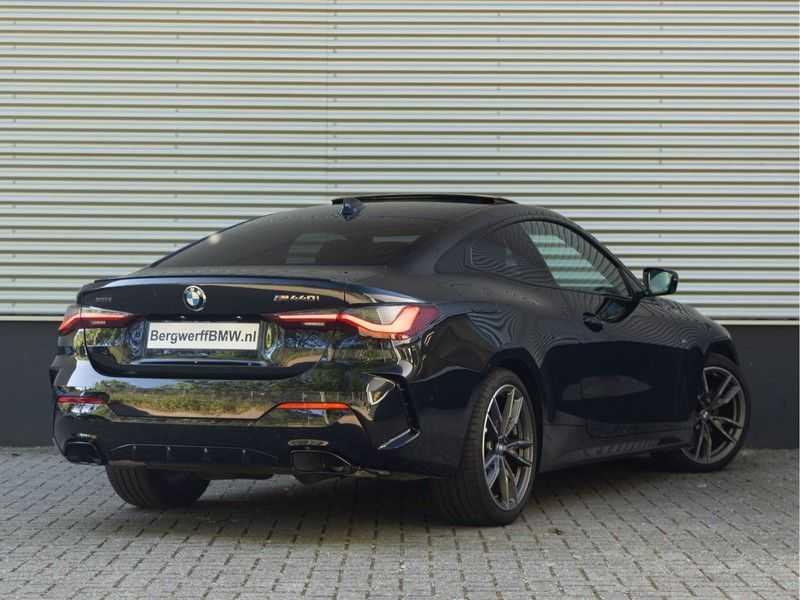 BMW 4 Serie Coupé M440i xDrive - High Executive - Dak - ACC - Harman Kardon afbeelding 12
