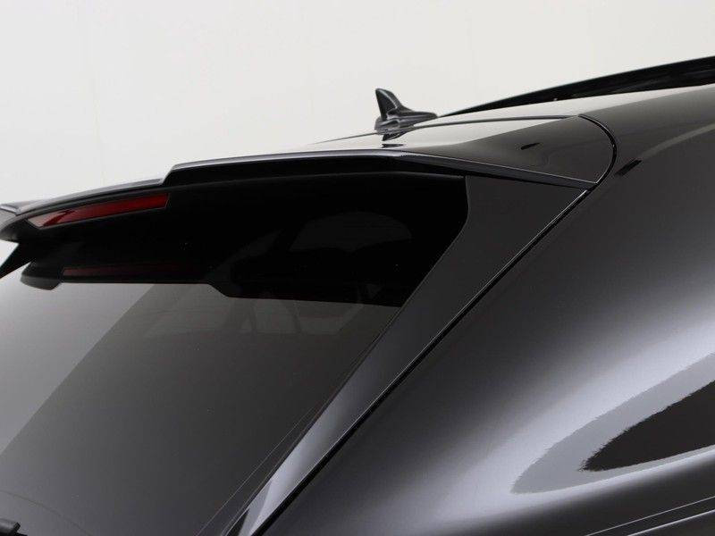 Audi RSQ8 4.0 TFSI 600 pk RS Q8 quattro | Pano.Dak | Carbon | Trekhaak | Keyless-Entry | 360Camera | B&O Sound | Alcantara | afbeelding 25