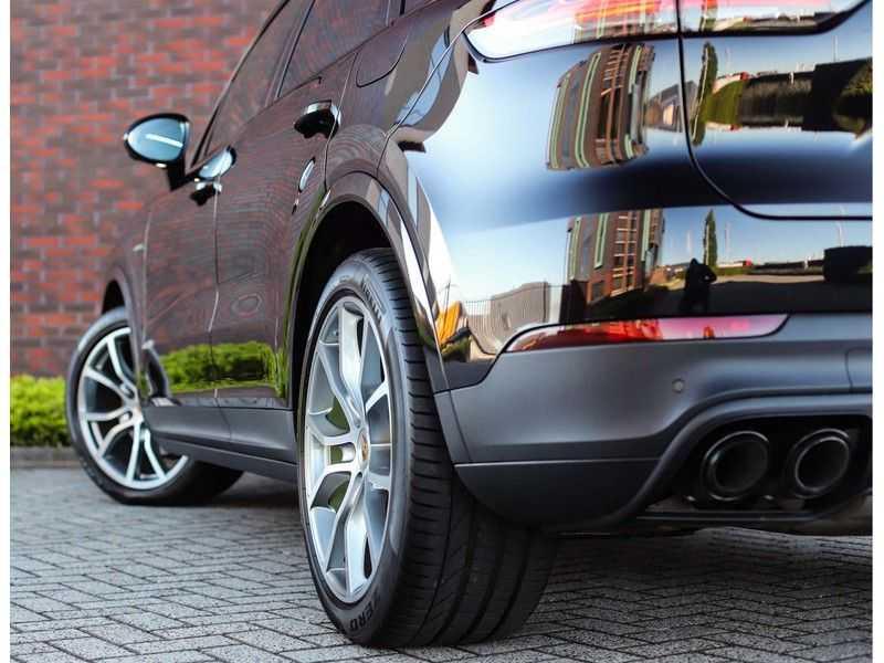 Porsche Cayenne 3.0 E-Hybrid *Pano*Chrono*ACC*PASM*HUD*Bose* afbeelding 8