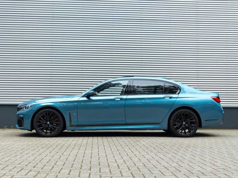BMW 7 Serie 745Le xDrive Individual ''Maldives Blue'' - Full Option afbeelding 15