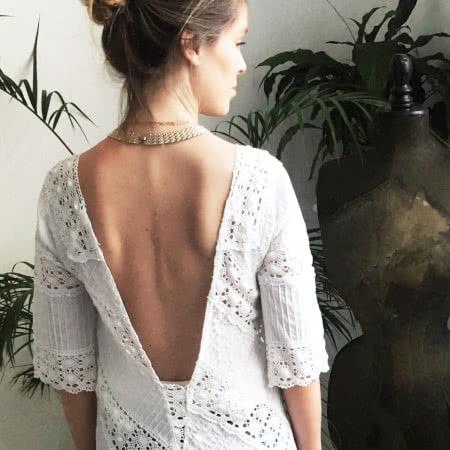 Transformation de vêtements : le dos nu 40€