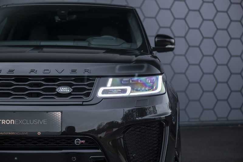 "Land Rover Range Rover Sport SVR 5.0 V8 SC Carbon interieur, Stoelkoeling, Head-up, Panoramadak, Elektrische Trekhaak, 22"", Pixel Laser Led Koplampen, Apple Carplay, 360Camera, Meridian Surround, Verwarmbaar Stuurwiel afbeelding 17"