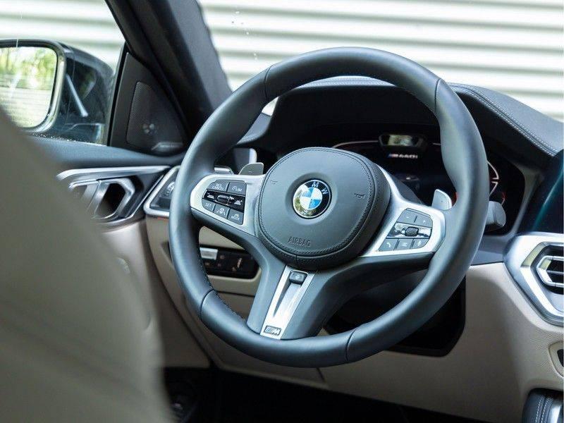 BMW 4 Serie Coupé M440i xDrive - High Executive - M-Remmen - Harman Kardon - Driving Ass Prof afbeelding 17