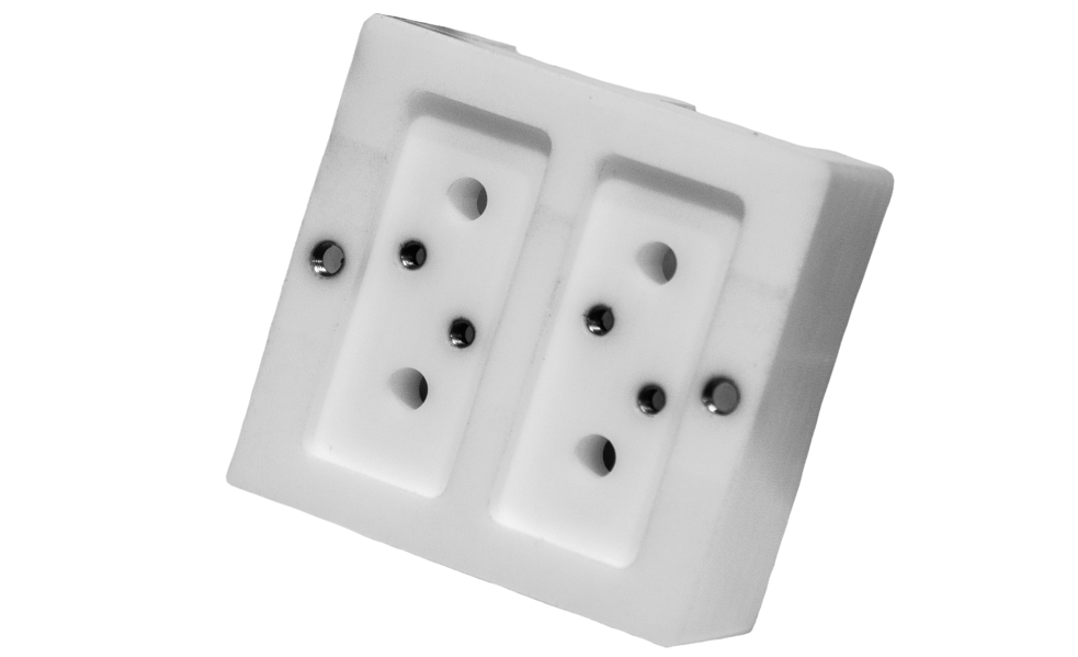 Cube with inlets
